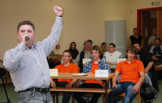 Zoli ellenfélként énekelt (klikk a képre) Fotók: OrosCafe.hu